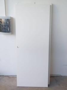 ANTA SCORREVOLE BIANCA SX 81,5X205. €25,00  POSA E TRASPORTO ESCLUSI